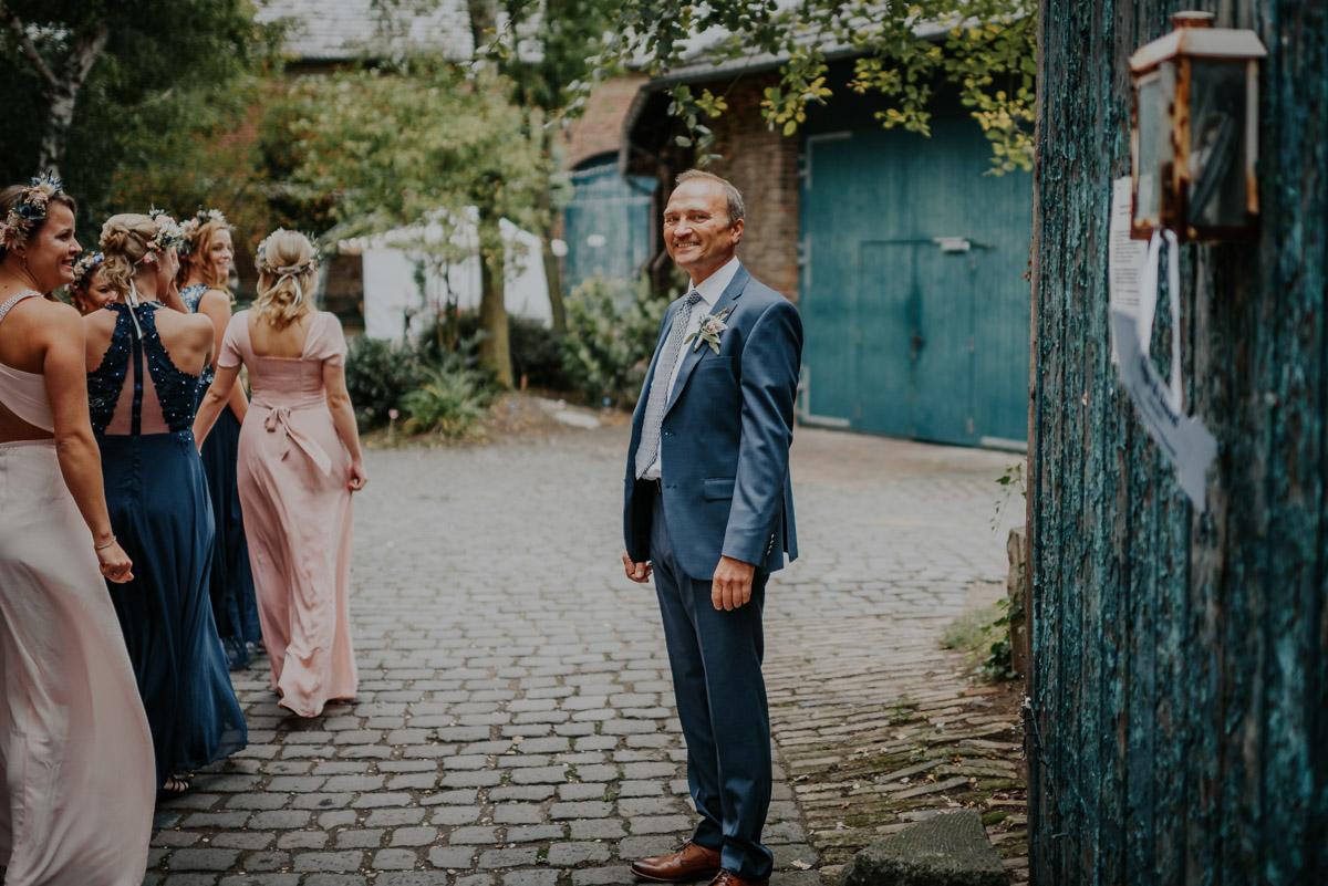 Vintage Hochzeit auf der Wasserburg Geretzhoven Braut