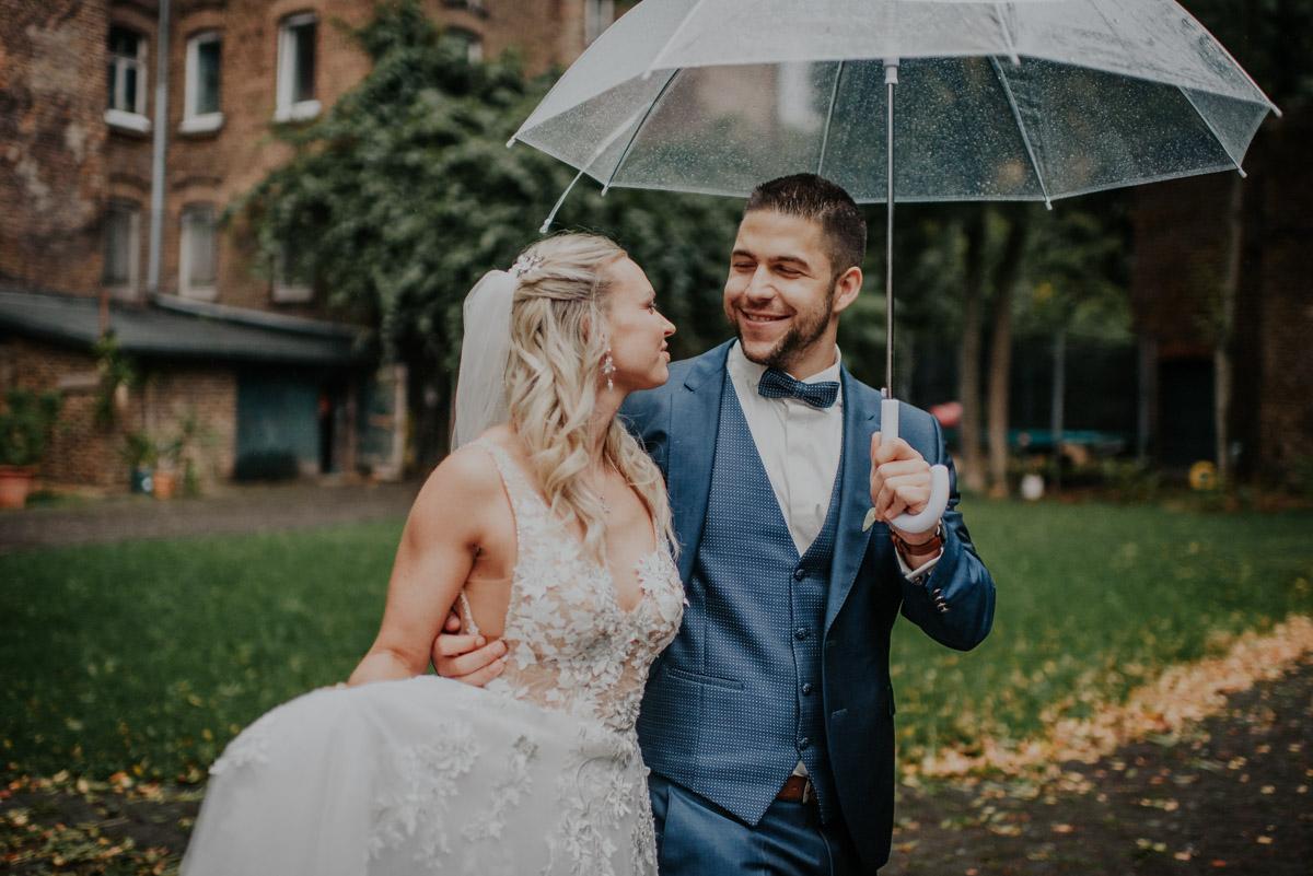 Vintage Hochzeit auf der Wasserburg Geretzhoven Paarshooting